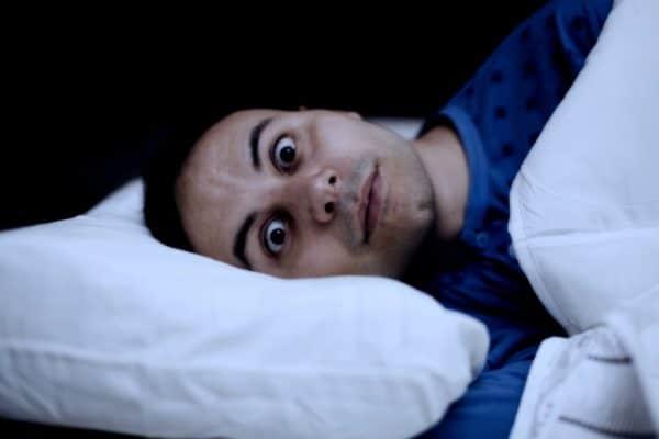 sensation de chute dans le sommeil impression de chute en s'endormant